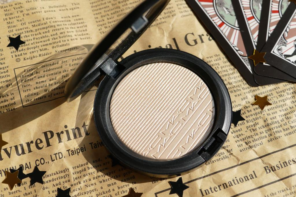 MAC Double-Gleam review