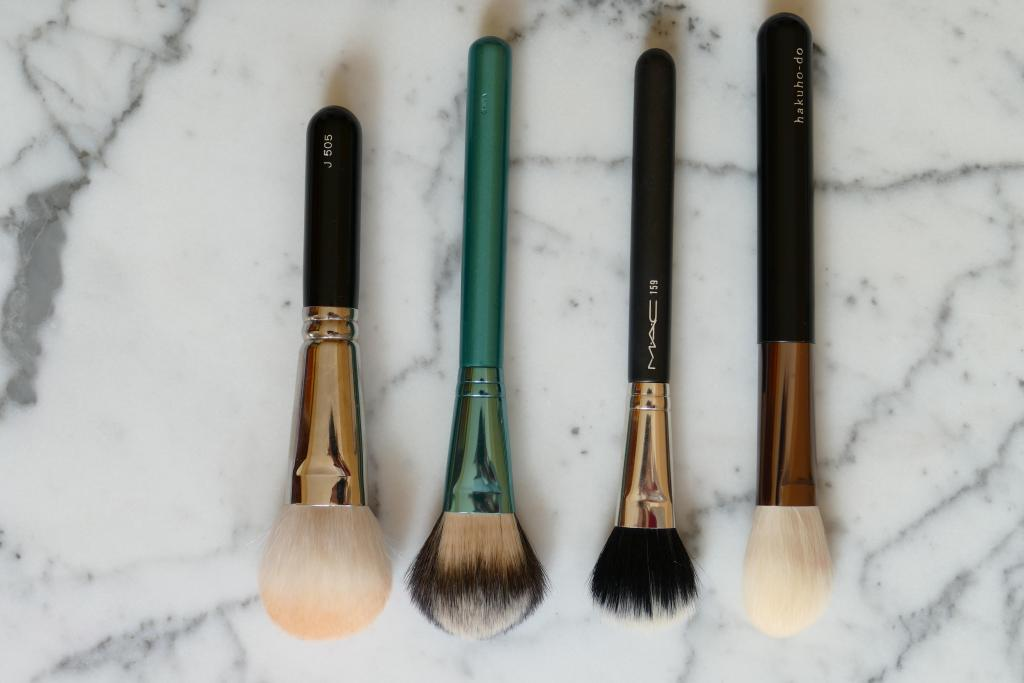Hakuhodo blush brush comparison