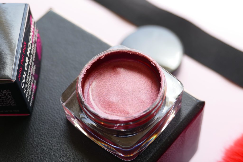 red Jelly Pot cream eyeshadow