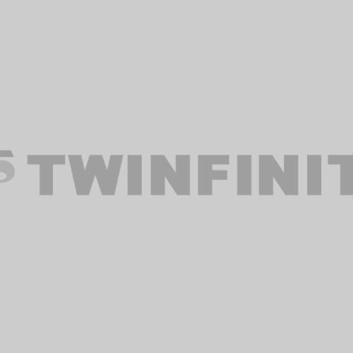Ariana Grande headphones
