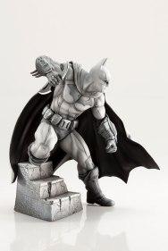Batman Arkham Figure