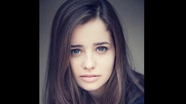 Holly Earl - Erica Mason