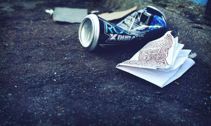 beach-beer-can-business-1098684.jpg