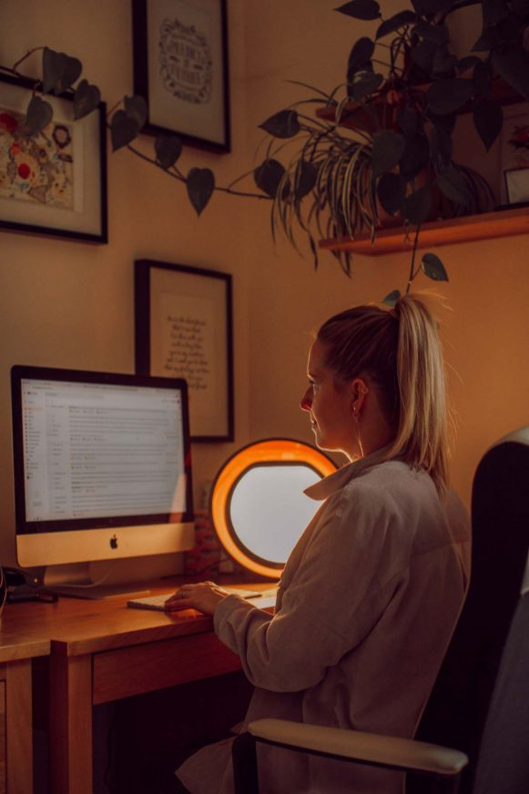 review of the lumie halo light therapy lamp