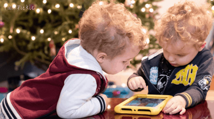 How to Keep Family Christmas Traditions Alive but Use Tech