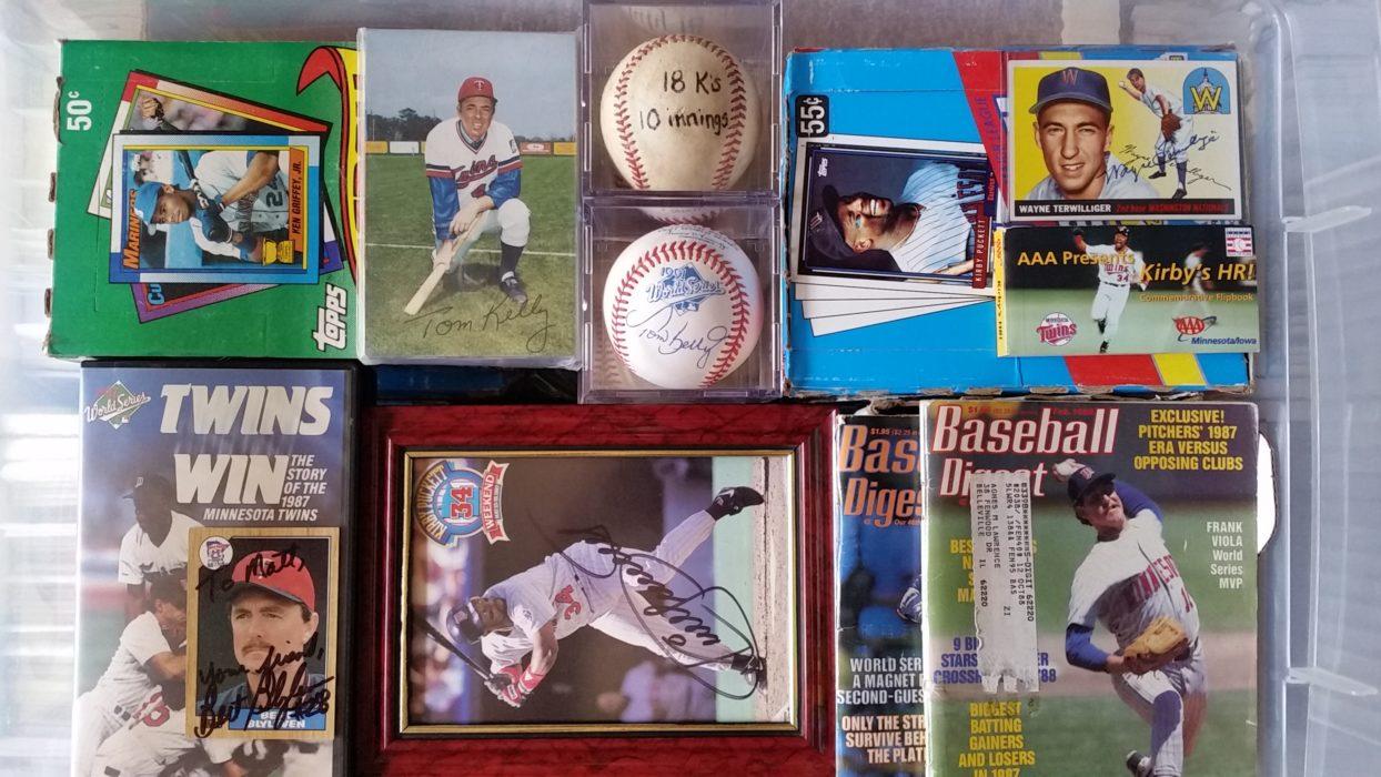 "1990  KIRBY PUCKETT MINNESOTA Loose With /""TWO/"" Cards Starting Lineup -SLU"