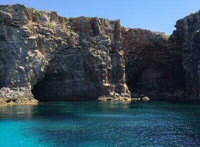 mar de menorca un rincon famoso por los Menorquines sa Amarador situado en Ciutadella