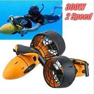 sea scooter de elice con doble velocidad de color naranja es el propulsor acuático más barato de amazon