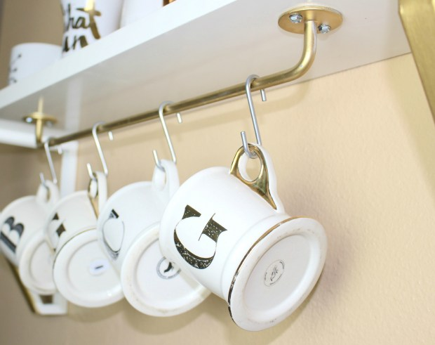 DIY Coffee Mug Shelf by Twinspiration at http://twinspiration.co/coffee-mug-shelf/
