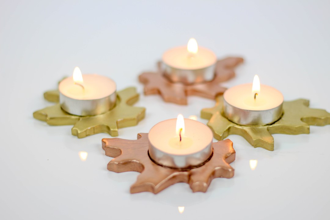 DIY Metallic Leaf Votive Candle Holders by Twinspiration