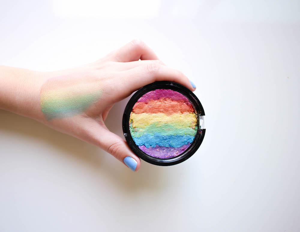 DIY Rainbow Highlighter | Twinspiration