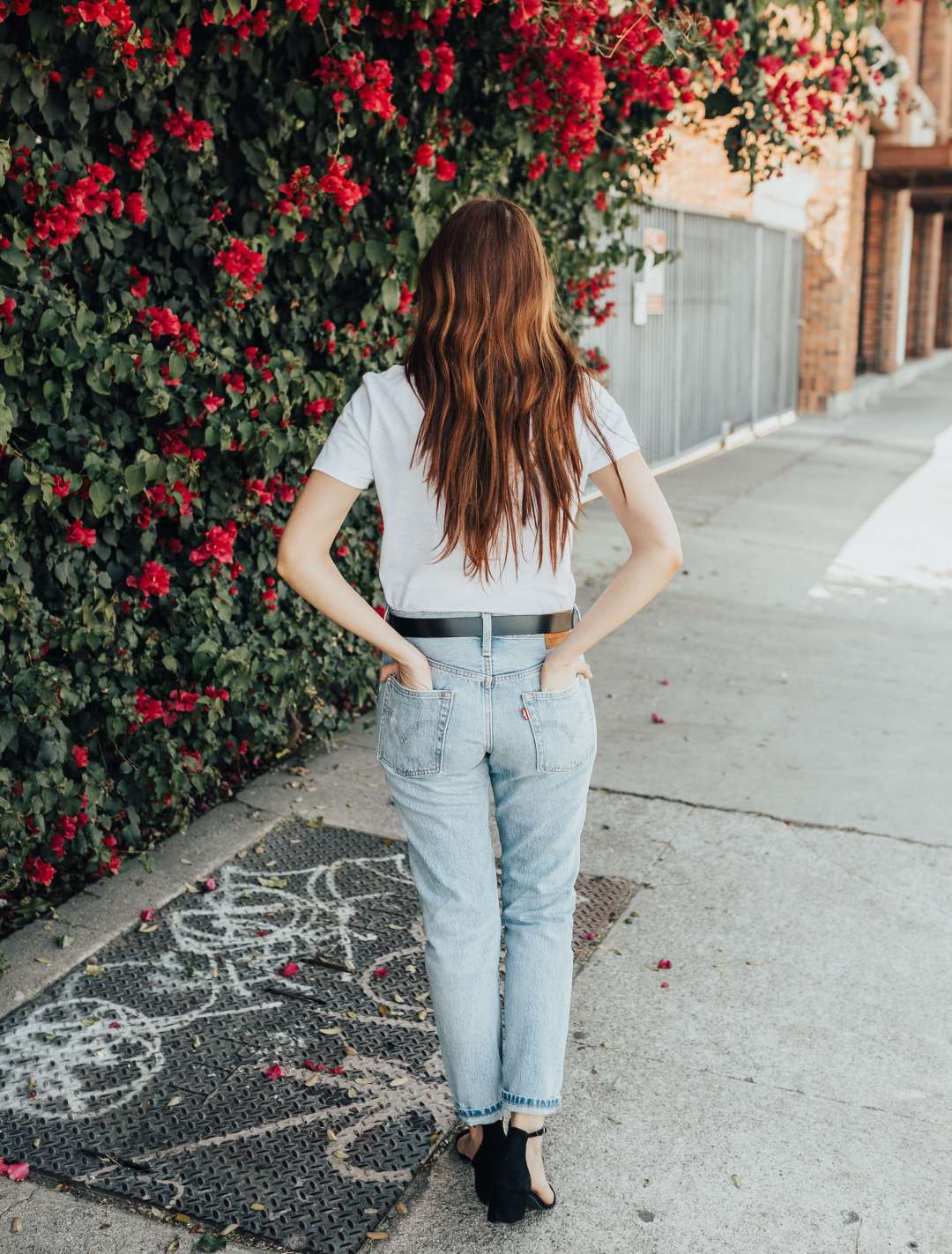 How To Style A White T-Shirt | Twinspiration