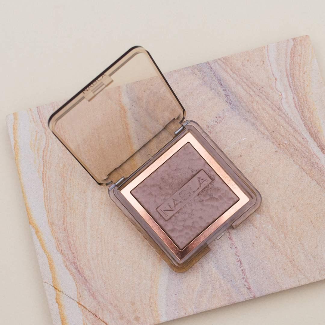 Nabla Skin Bronzing Powder Review | Twinspiration