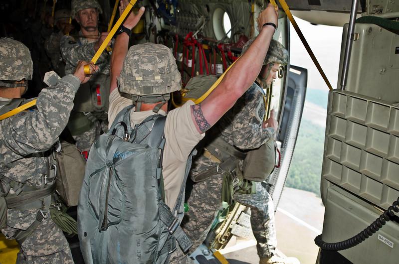 507th Parachute Infantry Regiment (5/6)