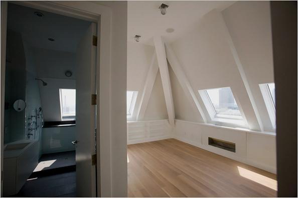 one-main-street-building-brooklyn-second-floor-bathroom