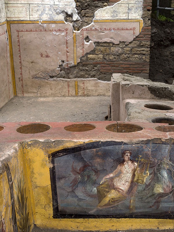 pompeii snack bar photos 15 An Amazingly Preserved Snack Bar in Pompeii was Just Revealed in its Entirety