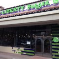 Burger Restaurant in Lakewood Shopping Center Final Post Construction Clean Up, Dallas, Texas