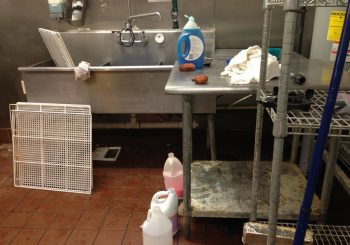 Restaurant and Kitchen Cleaning Service Food Court Kitchen Restaurant in Plano TX 02 c05c94e6768807a2d07a77fbf34d6219 350x245 100 crop Restaurant and Kitchen Cleaning Service   Food Court Kitchen Restaurant Clean up in Plano, TX