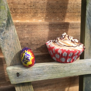 creme egg cupcakes01