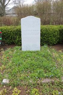 Isaac Murphy is buried next to Man O' War.