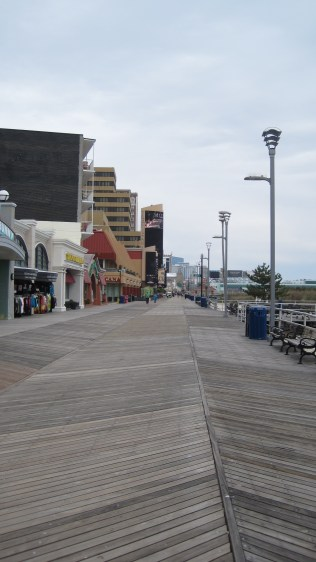 Looking north down the Atlantic City Beach Boardwalk. Prime time hours, no less...