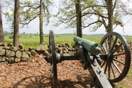 A cannon's view of the battlefield.