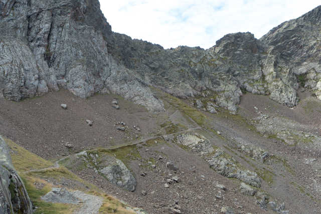 The trail up to Port Vénasque disappears into the rocks.