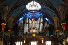 7000 pipes make up the organ.