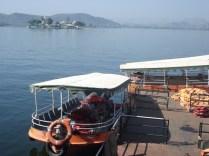 Barquinhos para passear no Lago Pichola