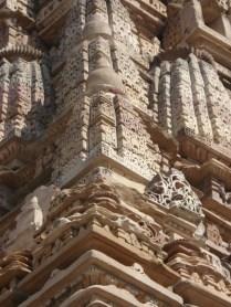 As esculturas das laterais são de grande destaque