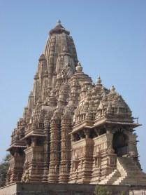 O maior e mais típico templo da arquitetura de Khajuraho