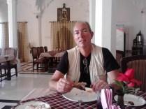 Foi nosso melhor almoço com frango na Índia