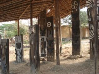 Trinta tribos têm a sua representação com a casa, fotos, roupas e equipamentos