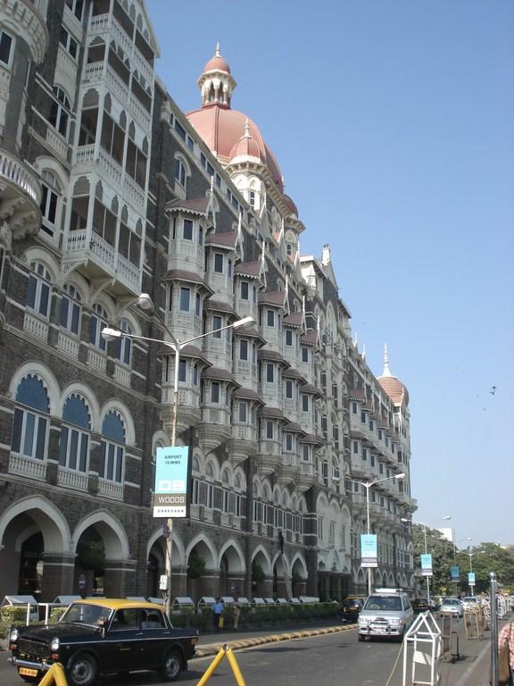 O hotel Taj Mahal, marco turístico de Mumbai e caro
