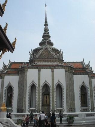 Phra Mondop construpido em estilo thai por Rama I. No interior estão os manuscritos sagrados do budismo