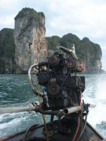 Motor do barco longtail