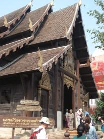 Wat Phantao - foi uma residência real e é construído todo em painéis de teca moldada e encaixados.