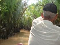 Parece a Amazônia. O tiozinho remador no final do passeio dizia; tip, tip, tip. Gorjeta.