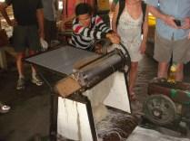Máquina de fazer macarrão a motor