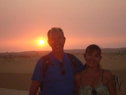 Nascer do sol nas dunas de areia branca