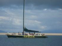 Outro veleiro em frente ao atol que fizemos snorkel