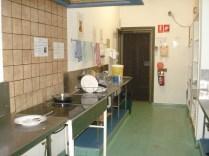 Cozinha mínima para 66 pessoas mais os passantes
