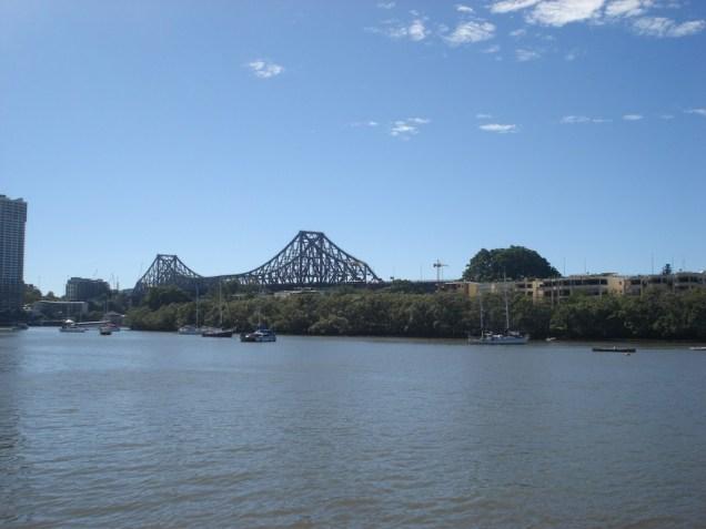 De novo a Story Bridge. Aprendemos com o Daniel que é o lugar favorito dos suicidas