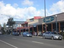 Apollo Bay é uma cidade com uma praia bonita em volta de uma baia e onde o pessoal de Melbourne passa as férias