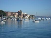 Subúrbio muito gracinha e para australianos que adoram barcos. Também com tanto mar