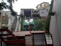 Como a cidade é cercada de morros também é cheia de funiculares para subir