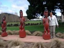 E como sempre: estátuas maori