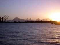 Vimos o por do sol em Papeete e jantamos no La Roulotte