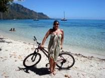 Nossa bicicleta alugada e a praia