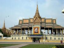 Palácio Real que tem uma coleção de obras de arte cambojanas